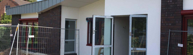 Frontansicht KiTa Gebäude im Bau